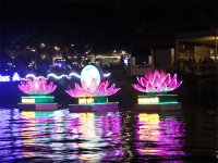 Ngày hội hoa đăng trên bến Ninh Kiều